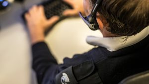 Centralist meldkamer Intergarde verifieert alarmmelding