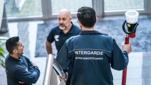 leerling installatiemonteur met begeleiding bij Intergarde